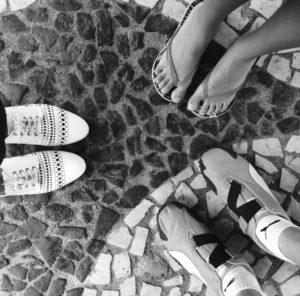 Curiosidade: dizem que o piso da praça (igualzinho ao famoso de Copacabana) representa o encontro das águas e apareceu por lá primeiro...